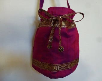 small bag shaped bollywood bucket