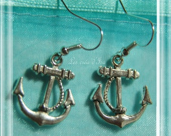 pair of anchor earrings