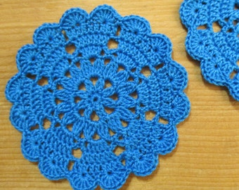 set of 2 coasters/mini-napperons blue crocheted diameter 8 cm