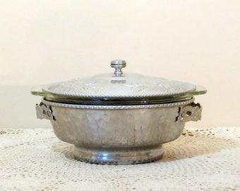 Vintage Hammered Aluminum Casserole Dish Fire King Glass Insert Kitchen Serving Covered Casserole Decorative Etched Handles Retro Kitchen