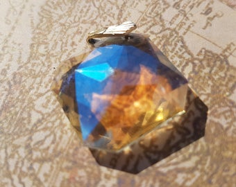 Beautiful Vintage Clear Crystal Pendant (without chain)