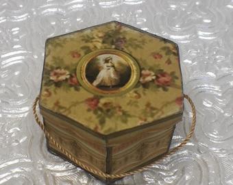 Dollhouse Miniature 1:12 Scale – Hexagon Hat Box