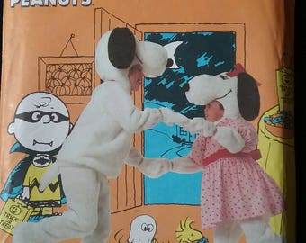 Vintage Snoopy Costume Pattern, Simplicity 7516, child size 3-8 UNCUT
