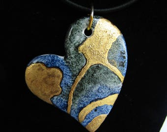 Blue and gold porcelain heart, pendant with necklace, heart with necklace, heart of porcelain, hand painted, made in Italy, elegant necklace, heart
