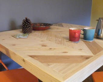 Reclaimed Herringbone/Chevron Pallet and Scaffold Board Dining Table