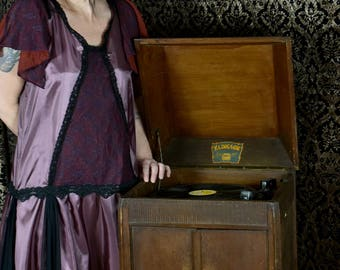 Glamourous Flapper party dress Twenties Lady