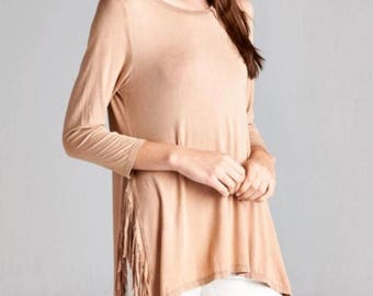 Taupe boutique top with 3/4 length sleeves