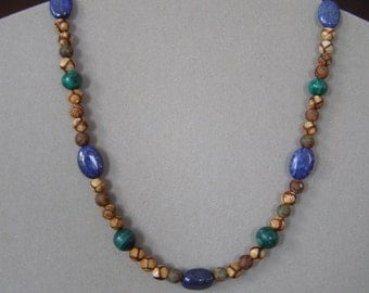 Birthday gift necklace or other. Man or woman. Lapis lazuli, malachite and Tibetan TZI. Handmade in Quebec in Gaspésie.