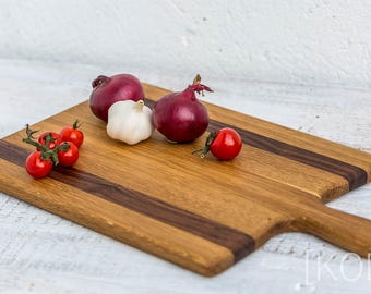 Heritage handmade oak + walnut serving / cutting board 260 x 460 x 20 mm