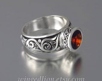 TRISTAN silver ring with Garnet