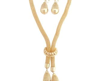 Vintage 1960s chunky gold mesh tube dangling teardrop necklace and clip on earring demi parure statement jewelry set