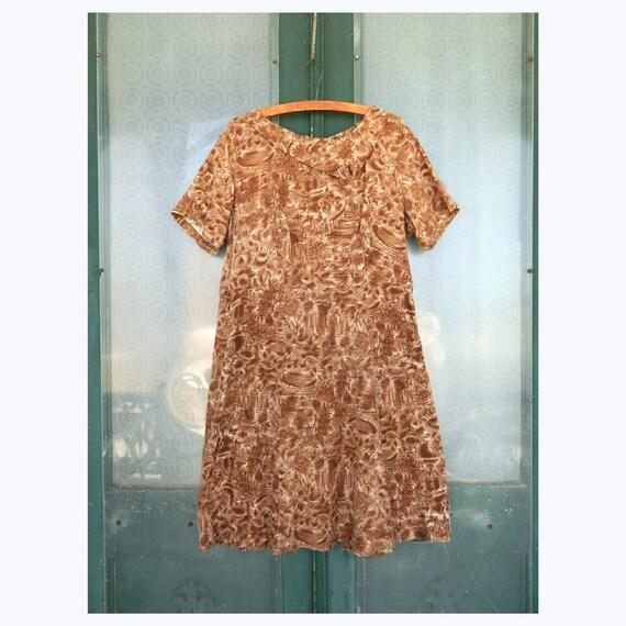 Vintage 1940s Short-Sleeve Asymmetrical Collar Dress M/L Brown Landscape Print Cotton