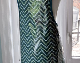 Zig Zag Vinyl Apron - wipe clean and waterproof apron - fabric with clear vinyl covering