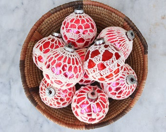 12 Vintage Crocheted Christmas Ornaments / Mixed Lot / 1950's Shiny Brite Ornaments / Holiday Decor