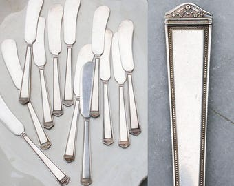 12 Vintage Butter Spreaders / 1923 Anniversary Pattern / Holiday Entertaining / Antique Silver Plate Flatware