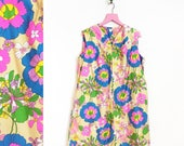 Vintage 1960s Mod Floral House Dress/ Lounge Wear/ Bathrobe by Mr Robert Size L