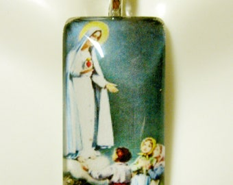 Our Lady of Fatima pendant with chain - GP12-611