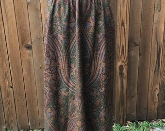Vintage 1970s Calvin Klein gathered paisley skirt w/ wide waistband. Braided soutache trim at waist. Fabric origin - Italy. Made in USA.