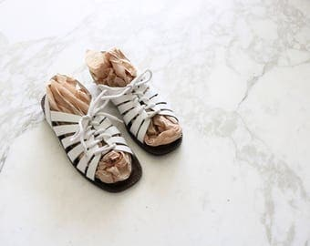 white laced leather sandals / 6.5