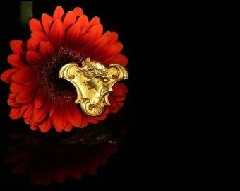 French antique brooch 18k yellow gold rose cut diamonds Art Nouveau woman profile