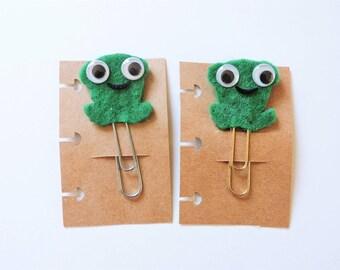 Kawaii Green Felt Prince Frog Planner Clip - Decorative Jumbo Goldtone/Silvertone Paperclip - Travelers Notebook Bookmark - Smiling Frog