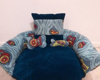 Soft and Snug Pet Bed For Cats or Small Dogs
