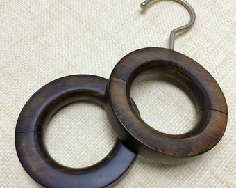 Wooden Magnetic Ring Hanger