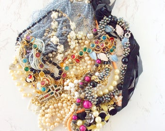 Jewelry lots for repurpose, jewelry lot wearable, jewelry lot destash, jewelry lot vintage, wholesale necklaces in bulk, lot of necklaces 22