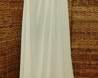 VINTAGE NIGHTGOWN ROMANTIC 1940s