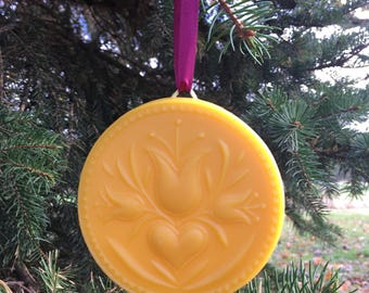 Beeswax Ornament - Medallion- Round Tulips and Heart - 4.25 in wide