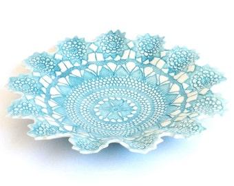 Fine antique lace bowl