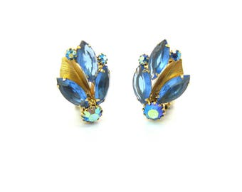Weiss Rhinestone & Metal Leaf Earrings. Indigo Blue Navettes, Capri Blue Aurora Borealis. Clusters, Gold Tone, Clips. Vintage 1950s Jewelry