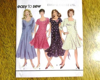 BOHO 1990's Fit and Flare Easy-Fitting Dress / Princess Seam Gown - PLUS Sizes (18w - 24w) - UNCUT Sewing Pattern Simplicity 8946