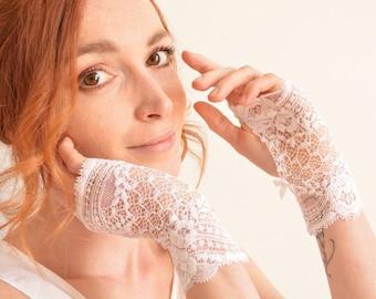 White bridal lace fingerless gloves