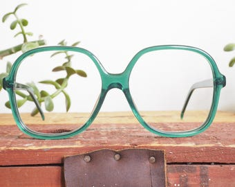 Vintage Eyeglass 1990's Over size by Liz Claiborne New Old Stock Very Cute shade of Emerald Green made In Hong Kong