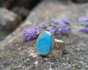 Sleeping Beauty Turquoise and Sterling Silver Ring. Bright Sky Blue Turquoise with Pyrite Flecks. Hammered Textured 5mm Wide Band. US 5.5
