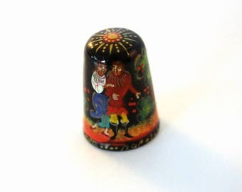 Russian Lacquer  Thimble  Vintage Hand Painted Signed