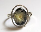 Sterling Silver Flower Ring - Size 8 - Fresh Flower - Oval Frame - VJSE # 2315