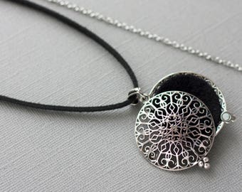 Aromatherapy Jewelry, Essential Oil Diffuser Necklace, Diffuser Locket, Oil Necklace, Essential Oil Accessories, Mandala Necklace, Wool felt
