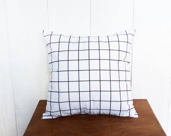 Cushion cover 40 x 40 cm black and white checkered pattern