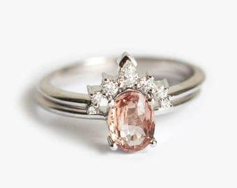 Sapphire Bridal Set, Oval Sapphire Ring with Diamond Crown Ring, Pink Peach Sapphire Ring, White Gold Wedding Ring Set, Capucinne, Minimalvs