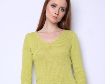 Blouse -Fashionable cut and spring color