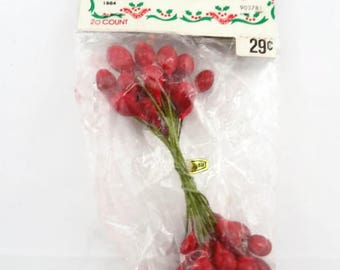 Vintage Berry Stamens Floral Picks Red Millinery Lacquered New in Package Taiwan