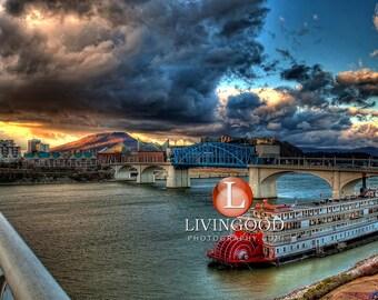 Chattanooga Landscape Photography - Walnut Street Bridge in Chattanooga Tennessee.