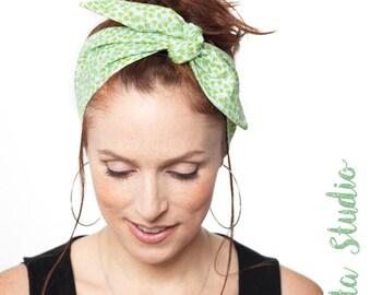 Green Headband with Flower Prints Green Flowers Headband Flowers Dolly Bow Headband Rockabilly Pinup Bandana Retro iiSuperwomanii Hair Lilly
