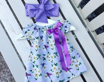 BABY GIRL'S DRESS in 100% cotton hummingbird floral fabric in vintage retro style ages 0-3 months 3-6 months 6-12 months can be personalised