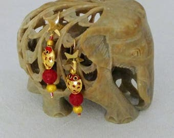 Golden Silver pendant earrings with starlet and ladybug in Cloisonne ' red enamel