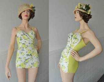 Cool Vintage 50s Pinup Swimsuit // Rose Print // Yellow White Green // Size 40