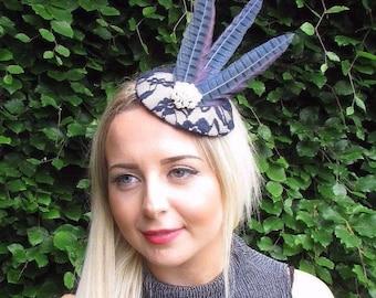 Navy Blue Cream Statement Feather Fascinator Hair Clip Hat Races Vintage 3064
