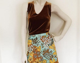 Late 1960's groovy floral print maxi skirt. size 8